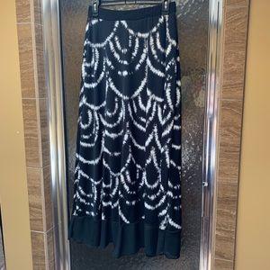 Xs flirty black and white maxi skirt